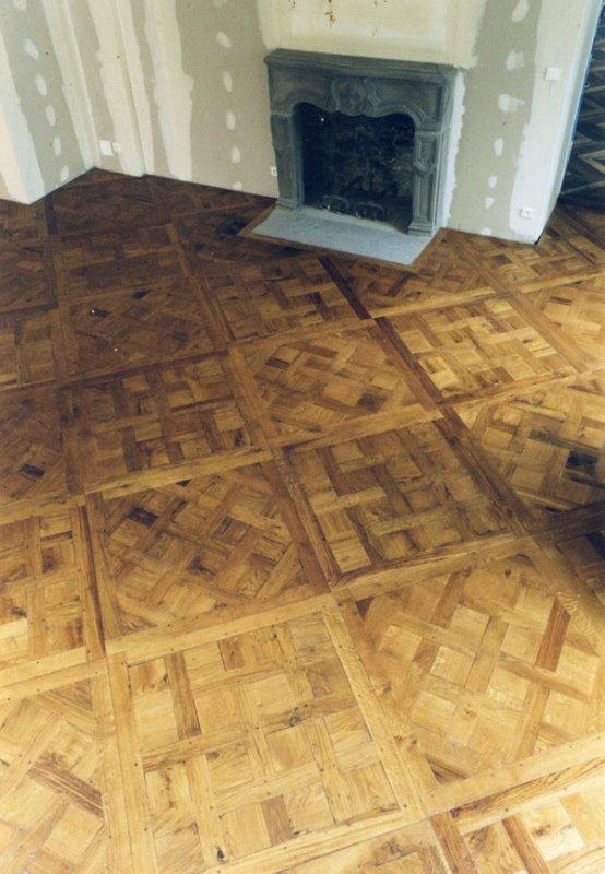 Chantilly mosaic parquet floor tile block mosaic brush box for Parquet chantilly
