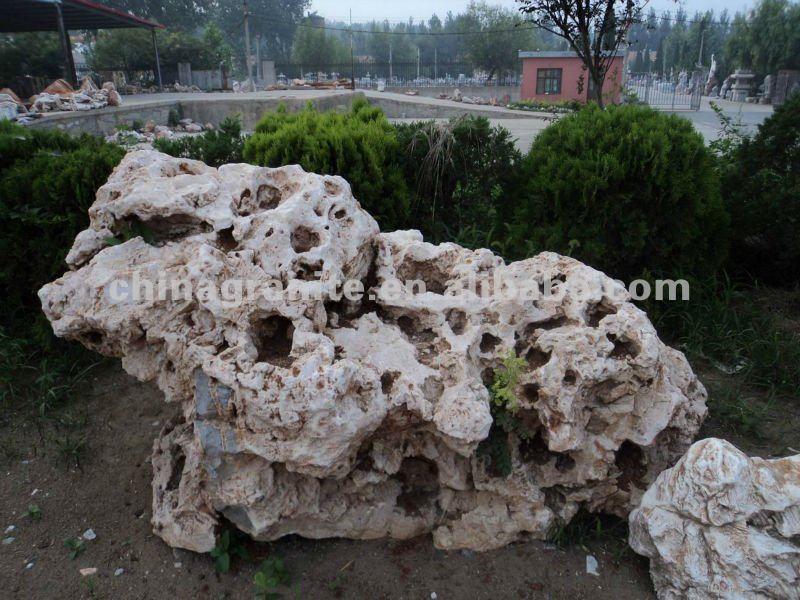 Landscaping garden stone rocks in onxy limestone and for Limestone landscape rock