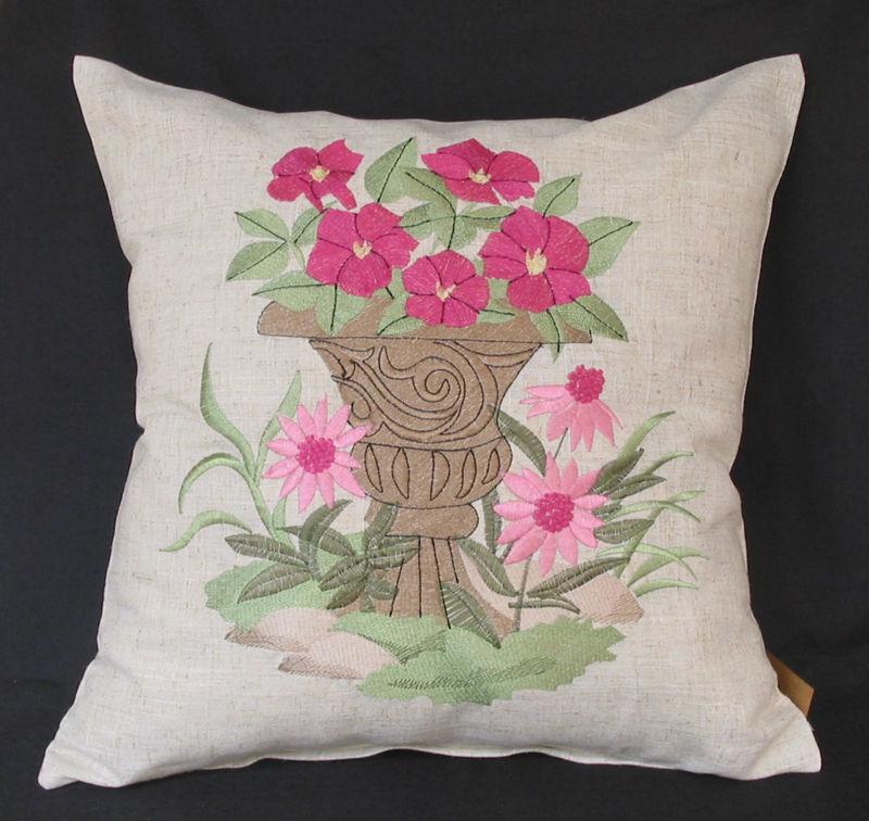 Hand Embroidery Pillow Designs: 22 New Cushion Hand Embroidery Designs   makaroka com,