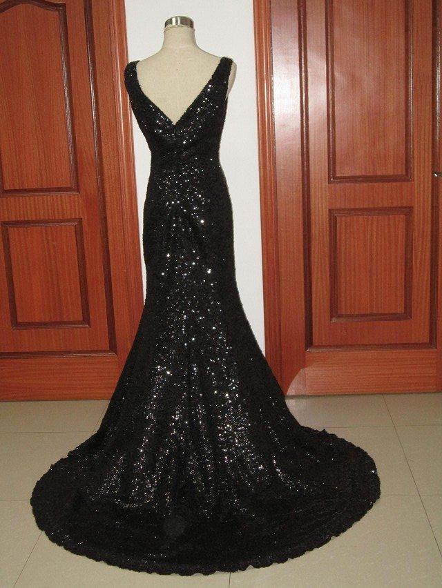 Блестящие длинные платье