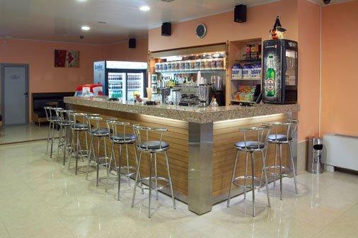 Wooden bar counter top salad bar modern for Commercial wine bar design ideas