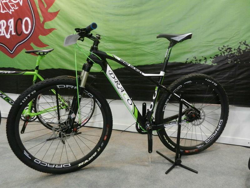 29 Inch Blue White Mountain Bike 29 Complete Draco Carbon Rigid