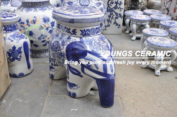 Orientali blu e bianco simpatico elefante di ceramica per esterni