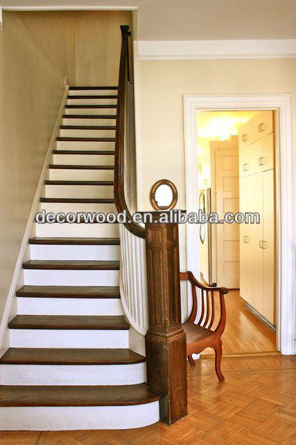 madera blanca escalones con nuez pasamanos