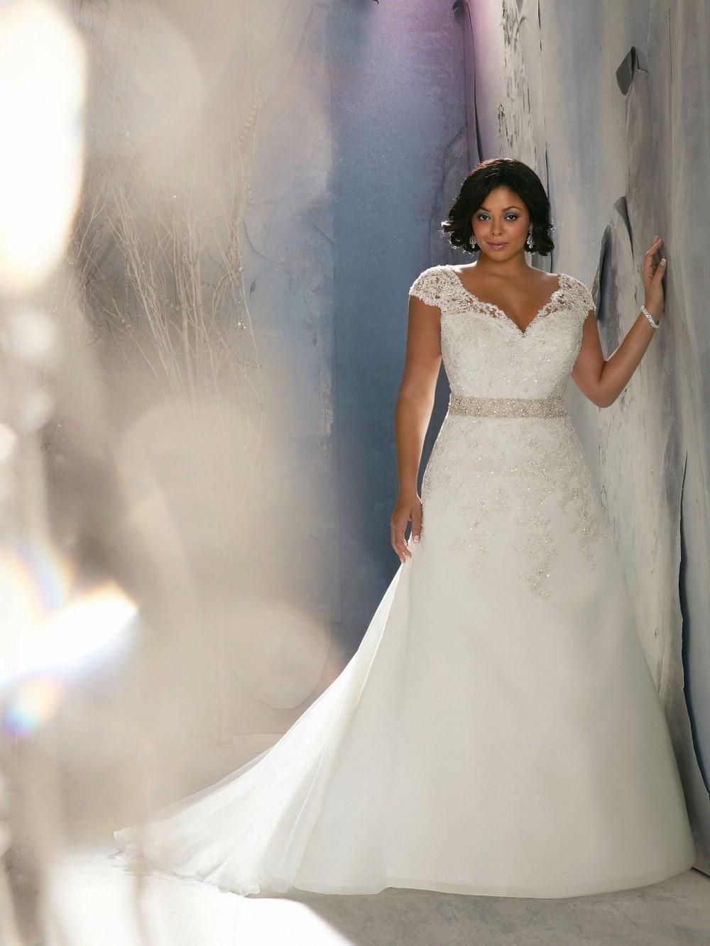 Vintage Lace Sheath Cap Sleeves Eopen Back Plus Size Mermaid Wedding Dress Bridal Gowns