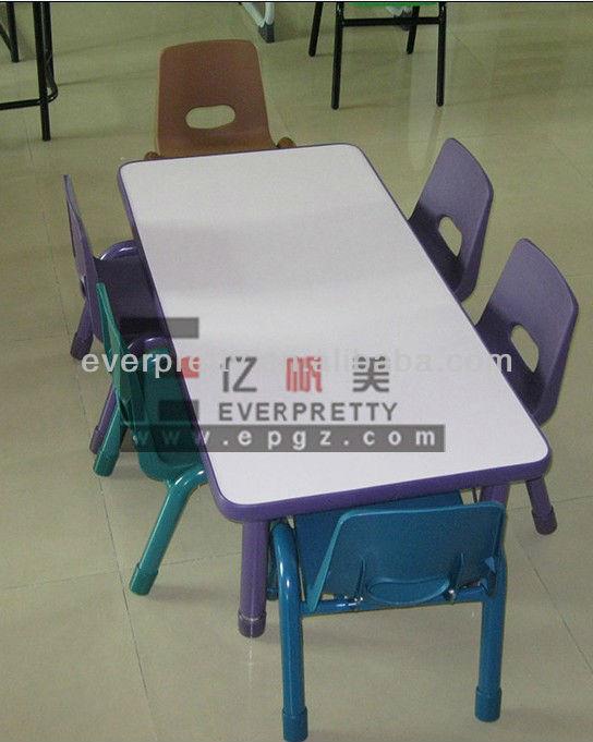 mesas y sillas usadas