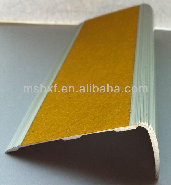 China Ceramic Tile Non Slip Carborundum Carpet Stair Nosing