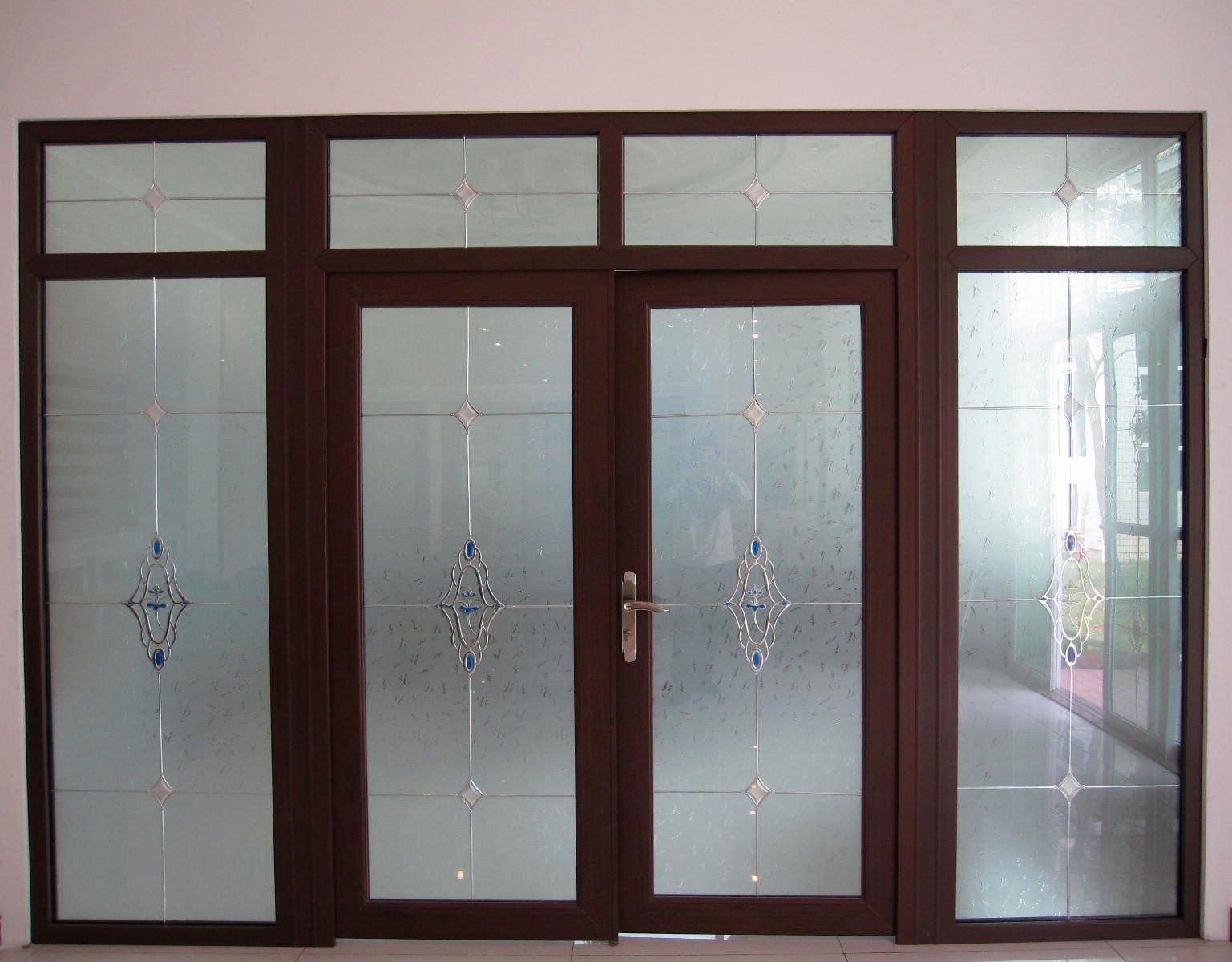 Alum nio porta de correr com grade qualidade superior for Modelos de puertas de aluminio y vidrio