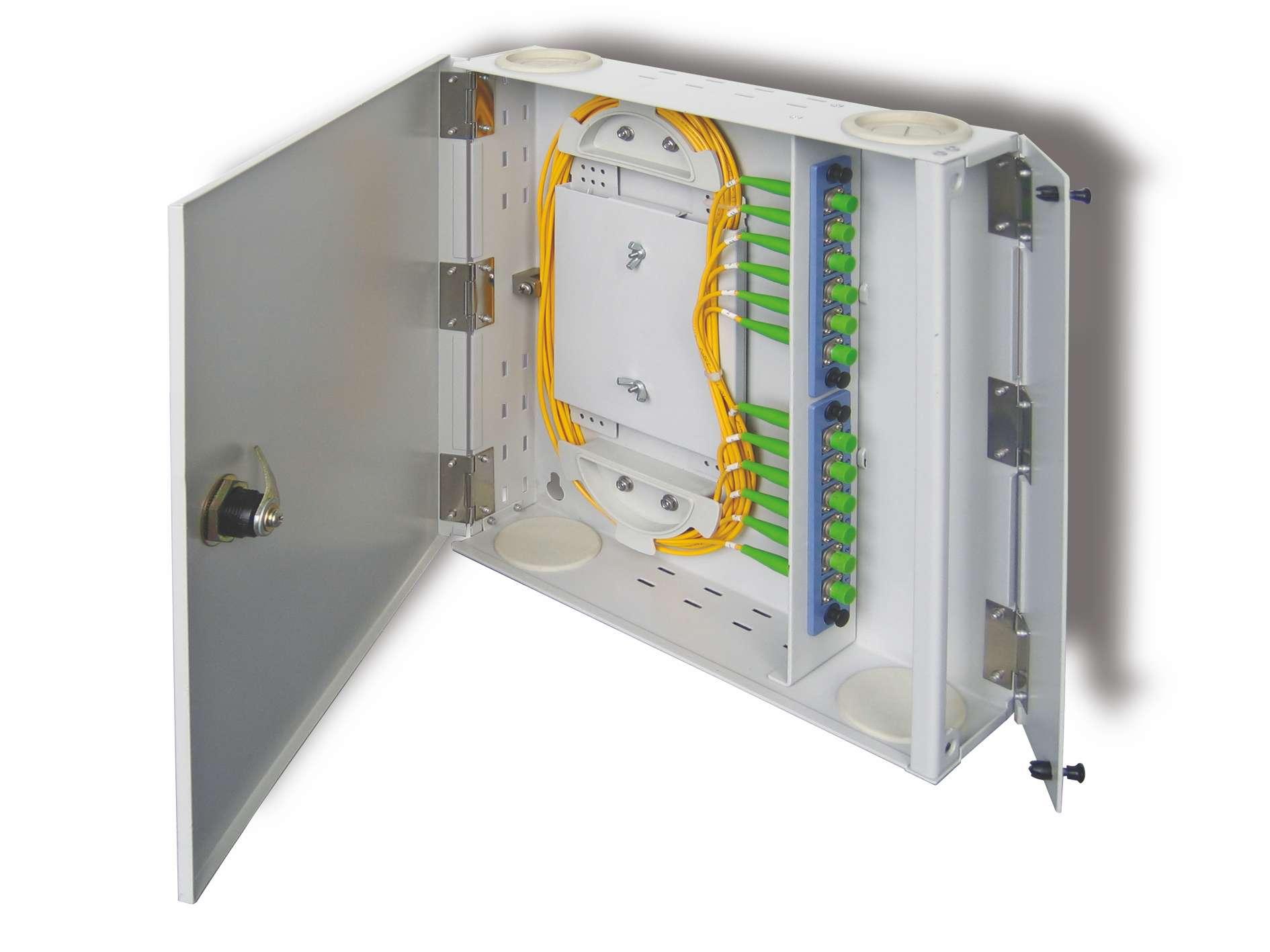 Waterproof Outdoor Fiber Optic Distribution Box Angled Patch Panel