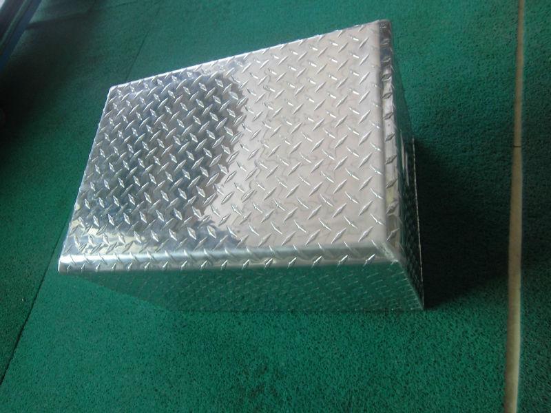 Oem New Diamond Plate Aluminum Ice Chest Cooler For Picnic