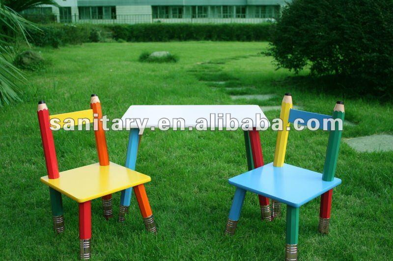 Sedie E Tavoli In Legno Per Bambini.Tavolo E Sedie Per Bambini Legno Tavoli E Sedie Per L Angolo