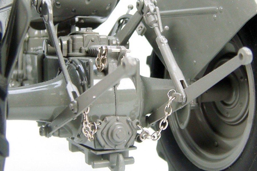 1:16 Massey Ferguson TE-20 Vintage Tractor toy