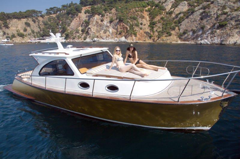 Angel new family mini lobster boat buy new fiberglass for Best small cabin boats