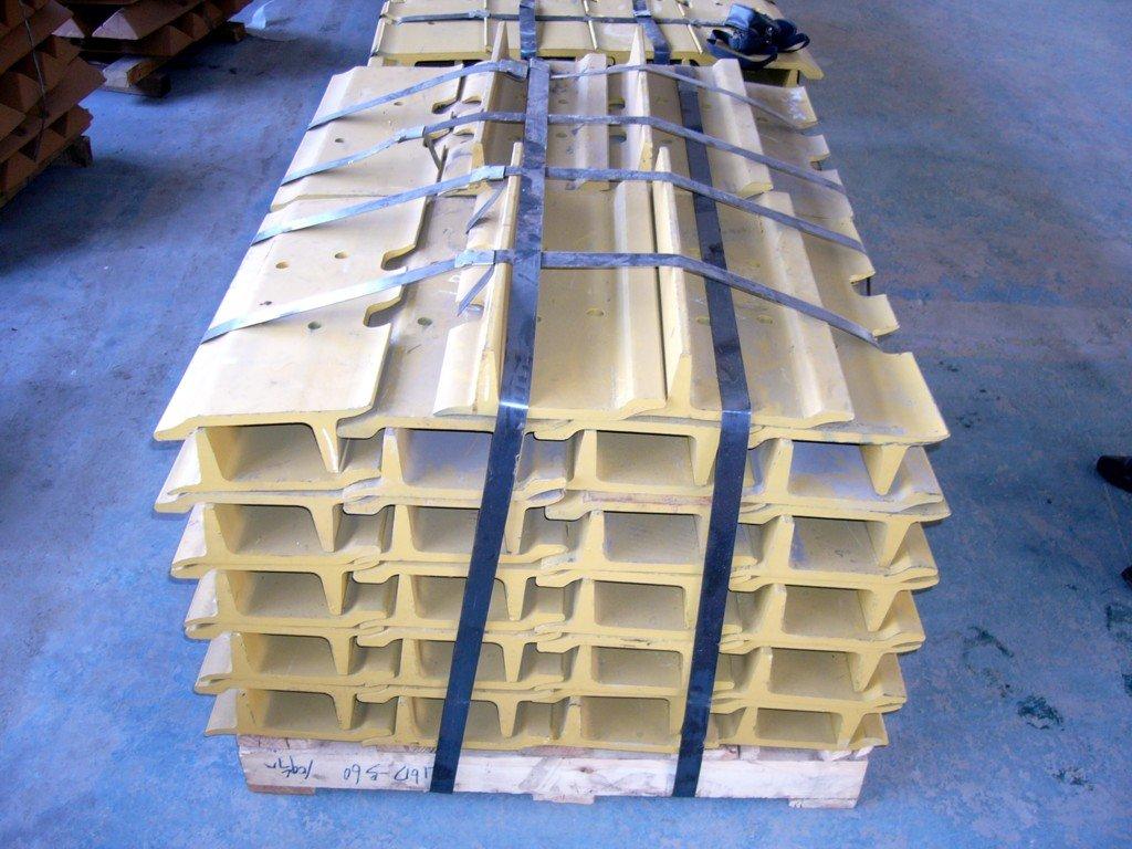Roller dozer shoes - Bulldozer Swamp Type Track Pads Track Shoes For Sale D31 D41 D50 D60 D65
