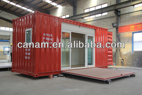 Mobile expandable shipping container house