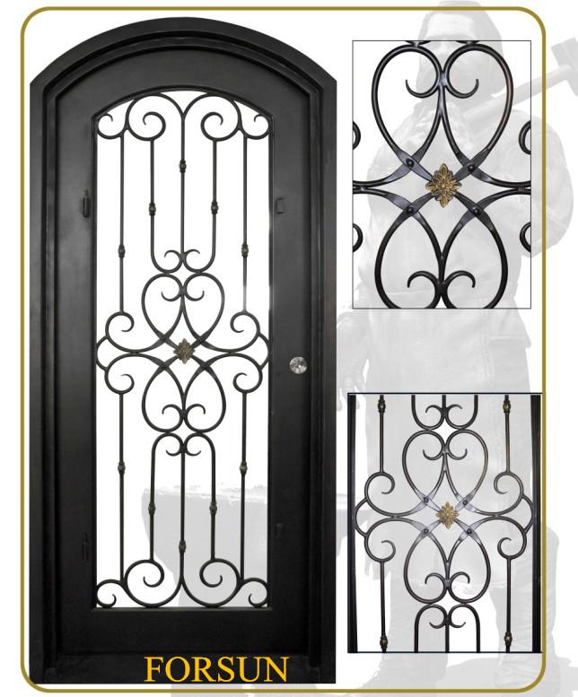 Security wrought iron single door with arched transom for Modelos de puertas de hierro para casa
