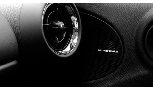 4 X ALUMINIUM HARMAN KARDON Speaker Logo Emblem Badge