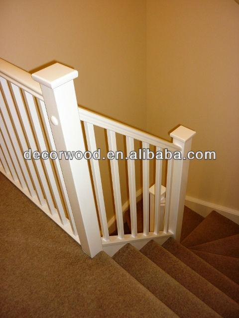 blanco madera escaleras pasamanos y balaustres