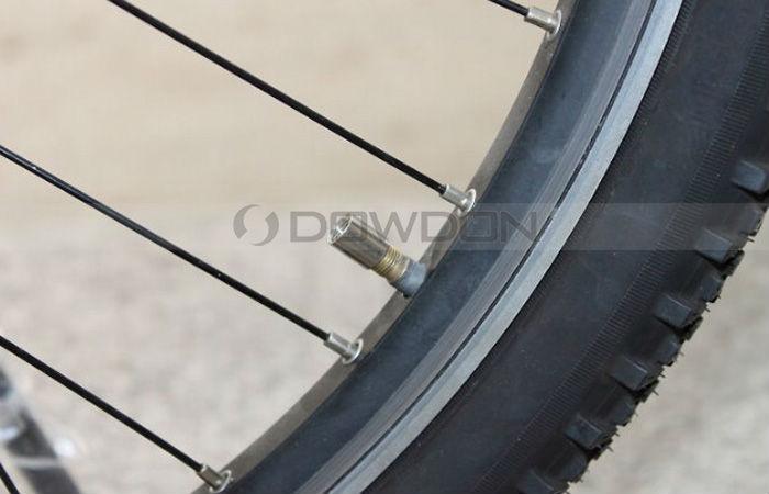 Licht In Fietswiel : Fiets fietswiel ventiel spaak led licht kopen u grandado