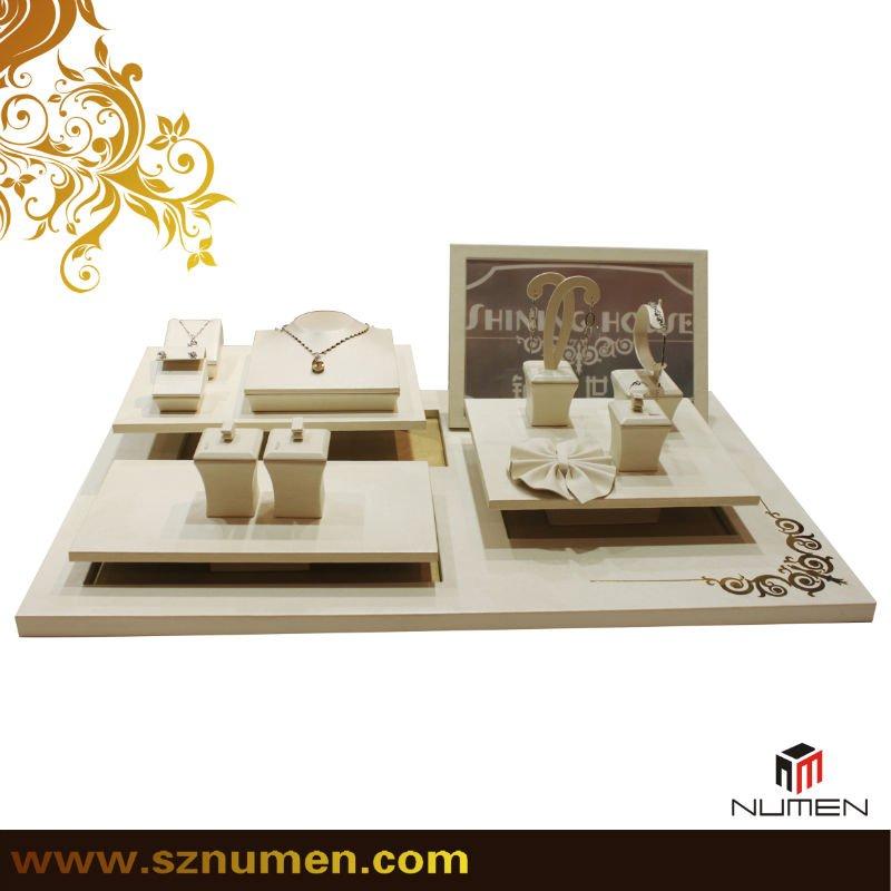 Jewelry Organizer Jewelry Showroom Design Jewelry Window Display