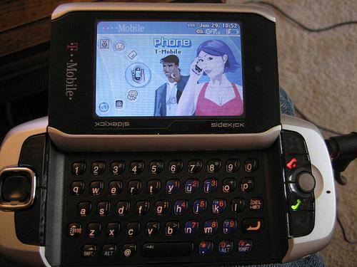 Danger_Sidekick_3_Mobile_Phones.jpg