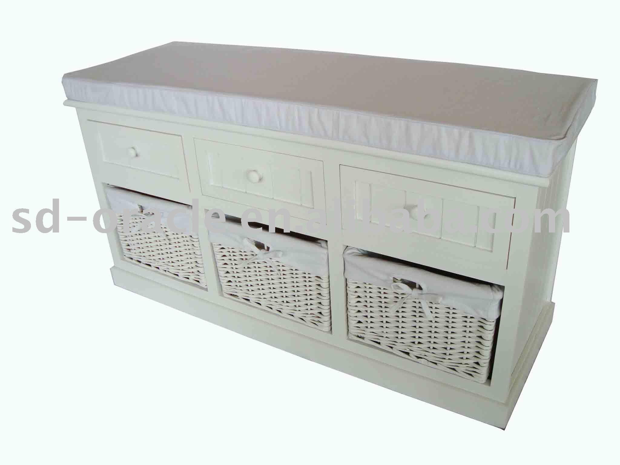 meubles de maison en bois banc avec coussin et paniers. Black Bedroom Furniture Sets. Home Design Ideas