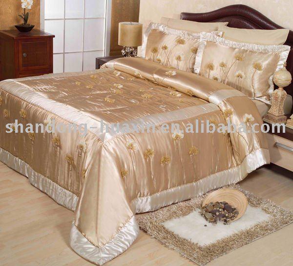 dessus de lit. Black Bedroom Furniture Sets. Home Design Ideas