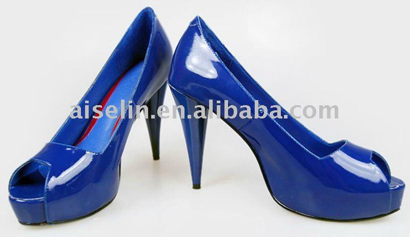 جمال اللون الأزرق في الأحذية Big_Size_Ladies_Unbr