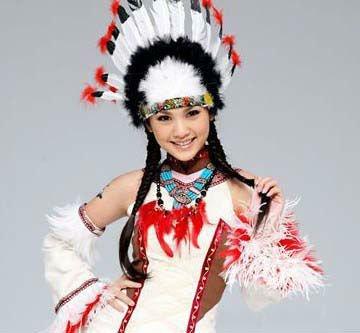 Halloweenのインディアンの酋長の羽の頭飾り 大きなイメージを見る Halloweenのイ