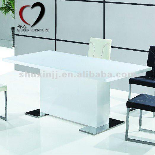 table cuisine design haute. Black Bedroom Furniture Sets. Home Design Ideas